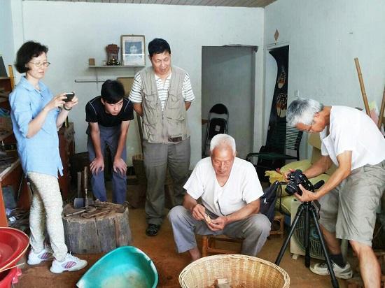 DOC 小百工《又見土礱》紀錄林裕祥師父古法製礱工藝